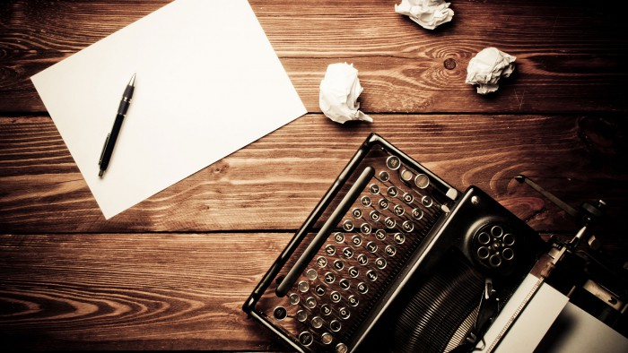 desk-and-typewriter